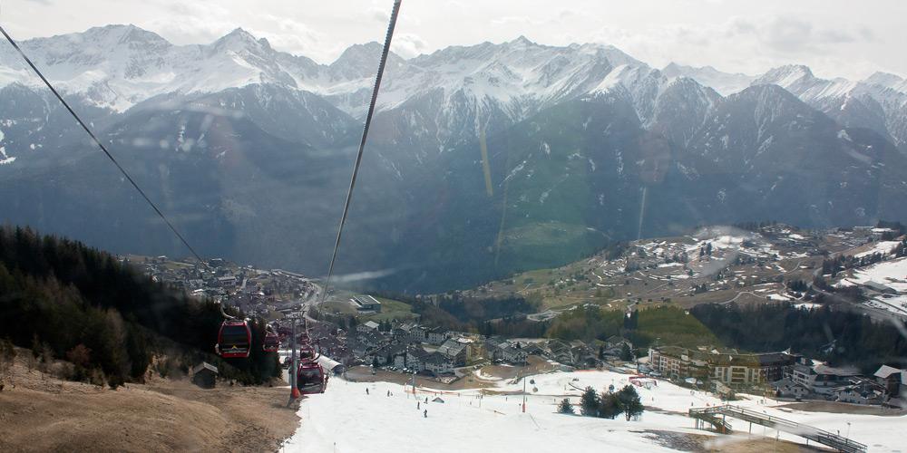 Blick auf das Ski-Gebiet