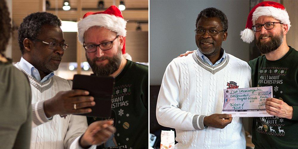 Amadou Yombo Diallo und Jens Wilsdorf bei der Spendenübergabe