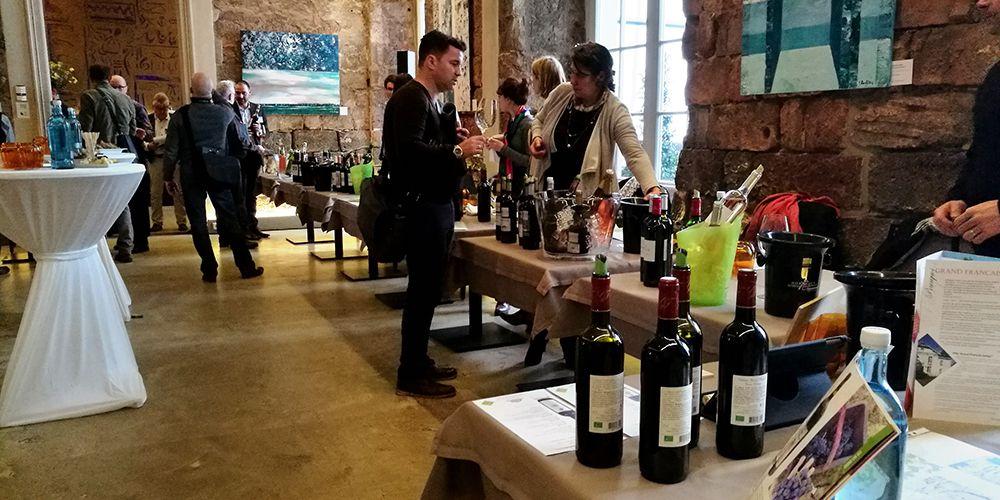 Winzer aus Bordeaux bei einer deutschen Weinverkostung