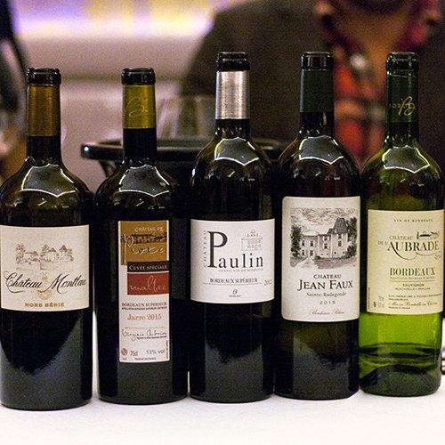 Fünf ausgewähöte Weine aus Bordeaux für Weinverkostung