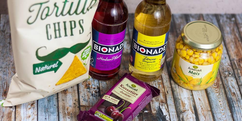Tortilla-Chips, Bionade, Mais und vegane Schokolade