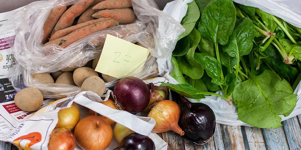 frisches Gemüse vom regionalen Bauern