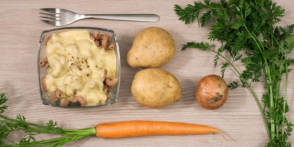 Vollkornpasta mit veganer Käsesauce