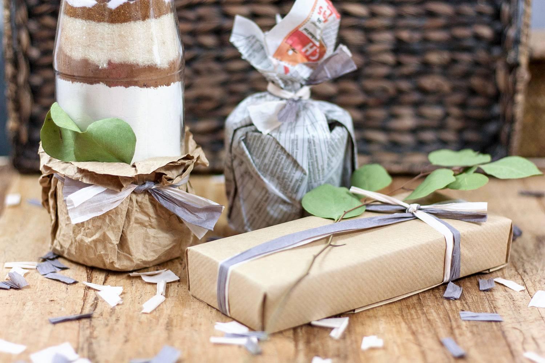 Zeitungspapier statt Geschenkpapier